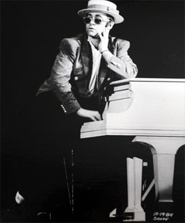 Elton John - October 19, 1984. Produced by Whisper Concerts.