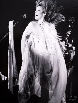 Stevie Nicks - June 23, 1983. Produced by Whisper Concerts Inc.